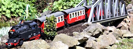 Die Garteneisenbahn rollt wieder